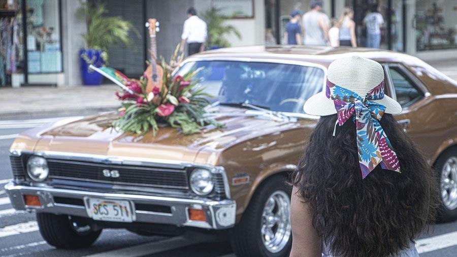 装飾された車